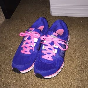 Women's Nike Dual Fusion Athletic Shoes 8.5